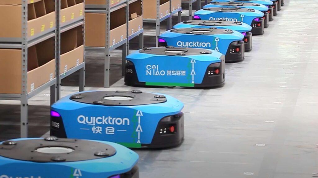 Robots die stellingen verplaatsen